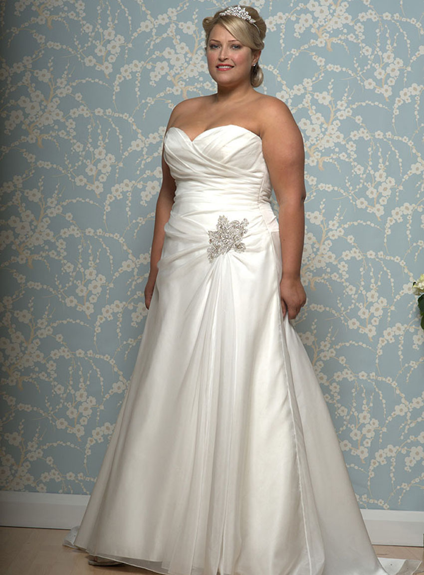 Wedding dresses by white rose buckinghamshire berkshire for Wedding dresses with roses on them